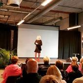 Hej igen 🙋♀️ Nu behöver vi bara 1 mannekäng till som kan visa upp våra kläder på mässan. Det gäller onsdag 22 september 11.55-12.15. Hör av dig till oss om du vill ställa upp! Förutom fri entré och fika får du även ett presentkort från oss 😃 Kram \ Astrid & Kristina 🍁🍂 #gävle #skutskär #älvkarleby #älvkarlebykommun #tierp #uppland #gävleborg #uppsala #fransa_fashion #soyaconceptsweden #soyaconcept #vila_official #chicalondon #caramellefashion #riekersweden #rieker #shoppalokalt #norrauppland #upplevnorduppland #gävlecity #gemini_smycken_
